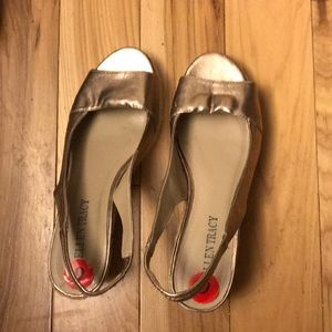 Ellen Tracy gold espadrille wedge sandal